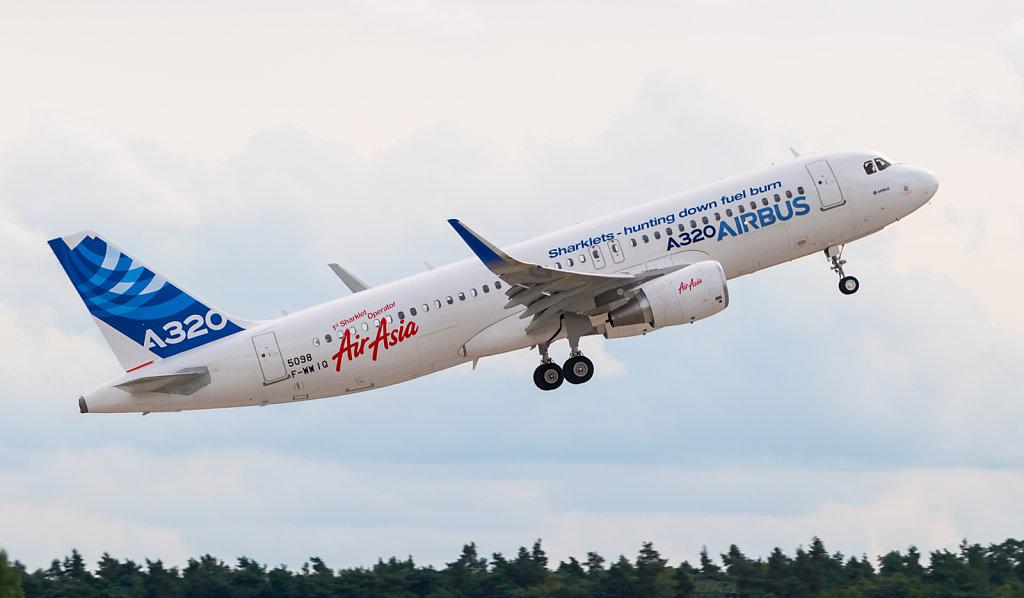 F-WWIQ Airbus A320 sharklet ILA 2012